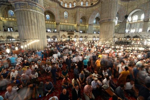 Eid Al Fitr Blue Mosque Istanbul Turkey