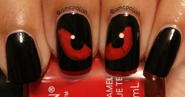 spooky eyes nail design for halloween