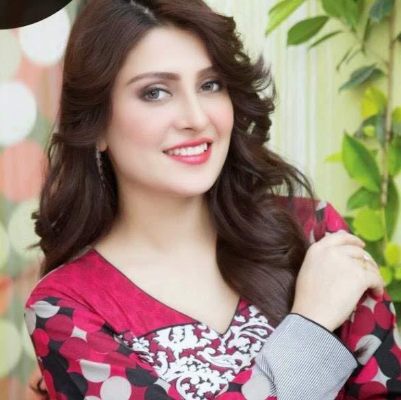 5-famous-beautiful-pakistani-actress-Aiza-Khan