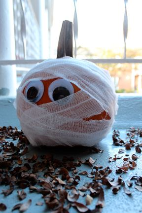 Pumpkin Mummy Decoration-Idea