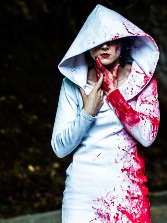 bloody-halloween-vampire-hood-costume