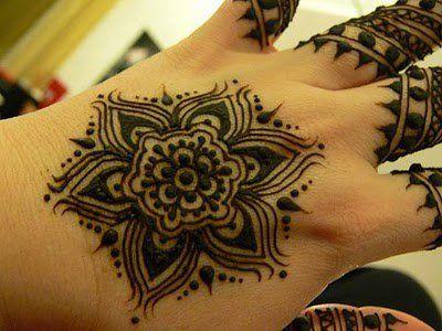 back hand tiki mehndi design