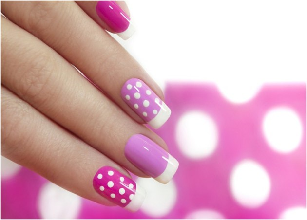 glamorous nails with white dots and lines designs on pinkish purple nail polish