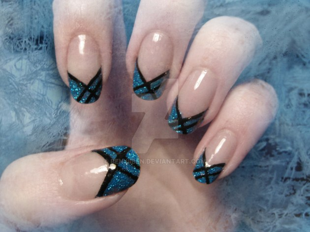 Simple Glossy Glittered Winter Nails