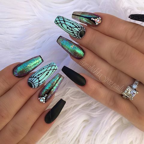 Patterned Holographic nails