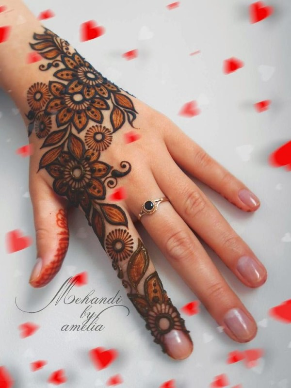 beautiful floral back hand mehndi design for eid
