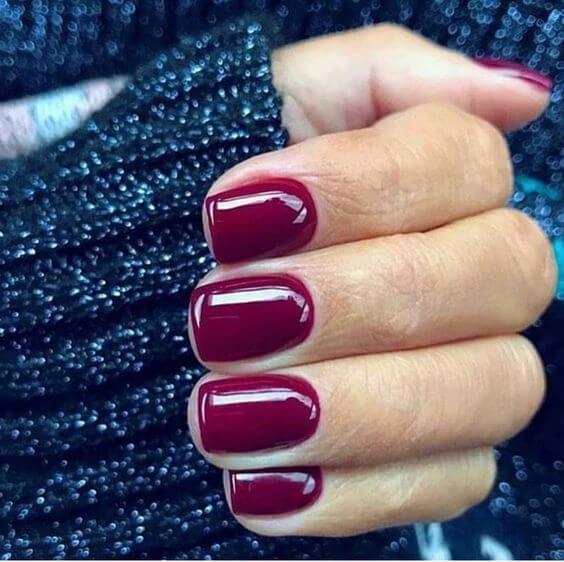 festive winter nail color ideas