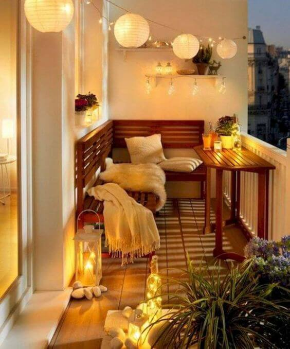 balcony decoration with christmas lights