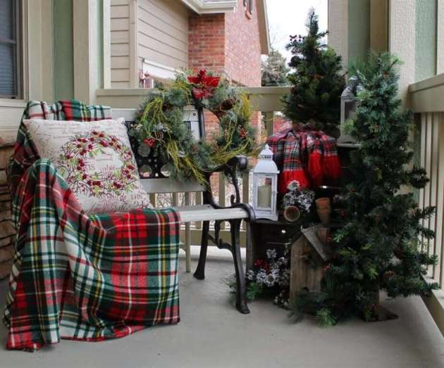 rustic christmas balcony decoration ideas with small trees