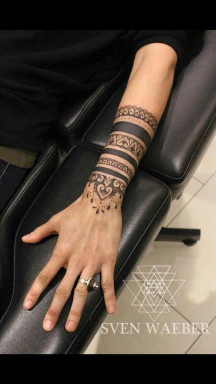 mandala bracelet henna design
