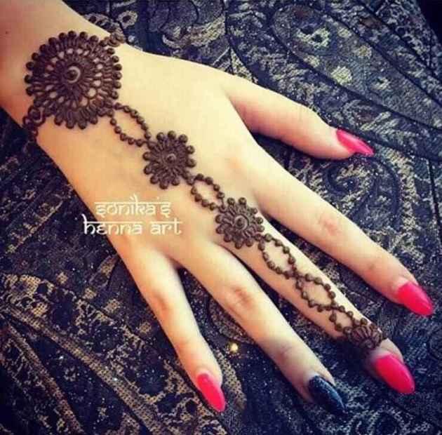special rakhi bracelet mehndi design