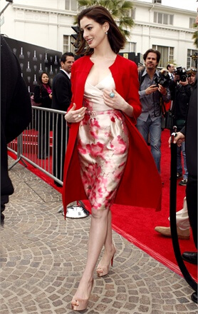 anne hathaway off the shoulder outfit with short hair