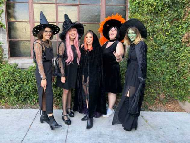 witch group halloween costumes for 5 women