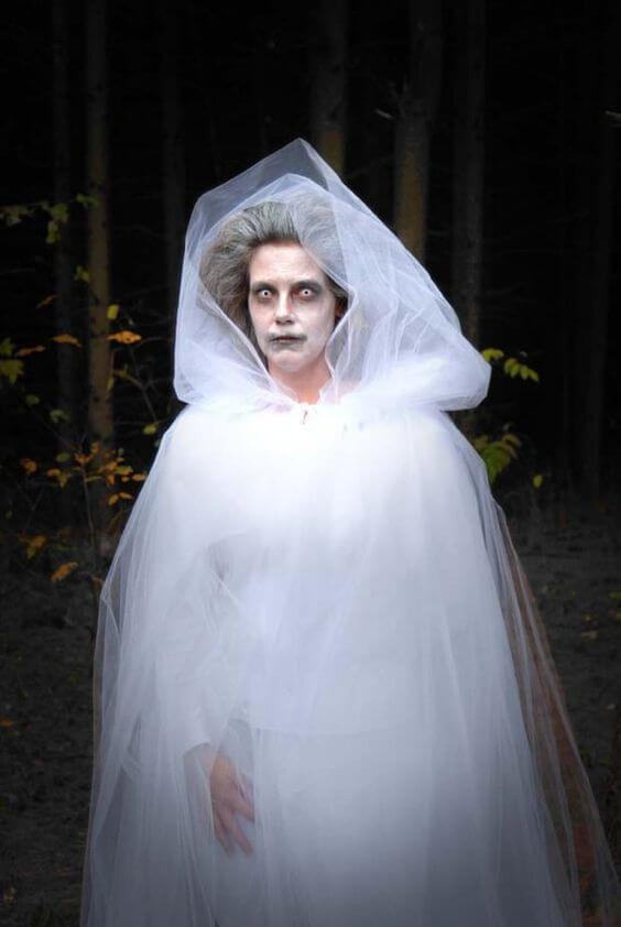 diy creepy ghost lady halloween costume idea