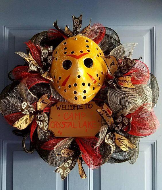 friday the 13th jason wreath decoration idea for halloween