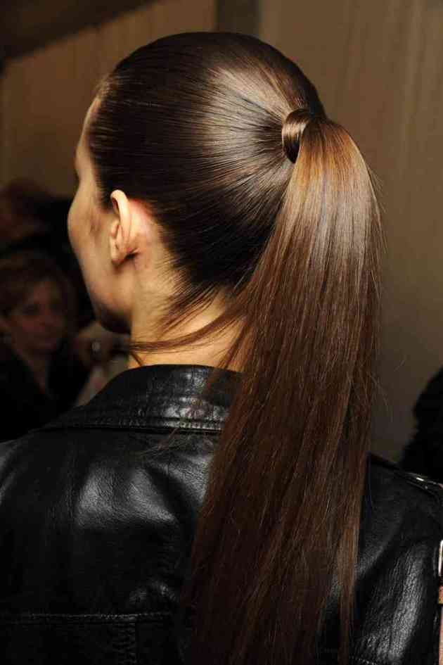 cute sleek high ponytail hairdo for winter