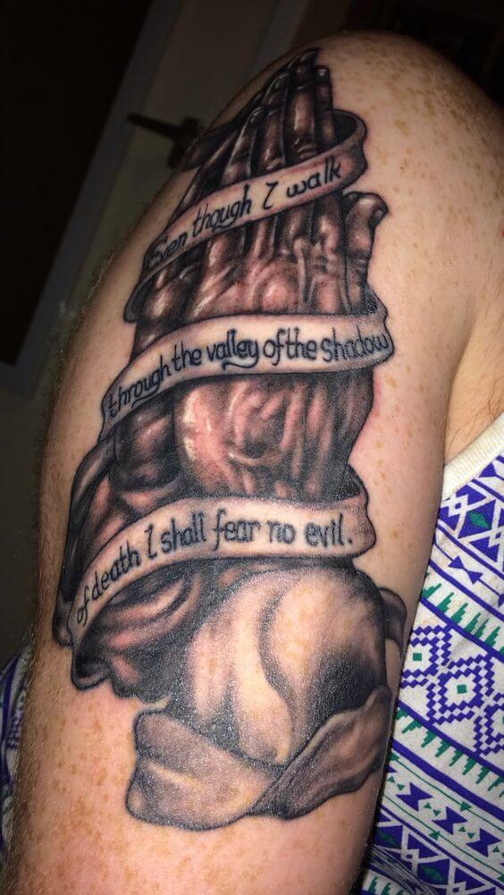 praying hands with bible verse i shall fear no evil banner tattoo design