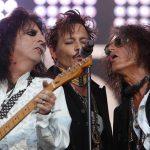 Hollywood Vampires canta en vivo 'Heroes', de Bowie