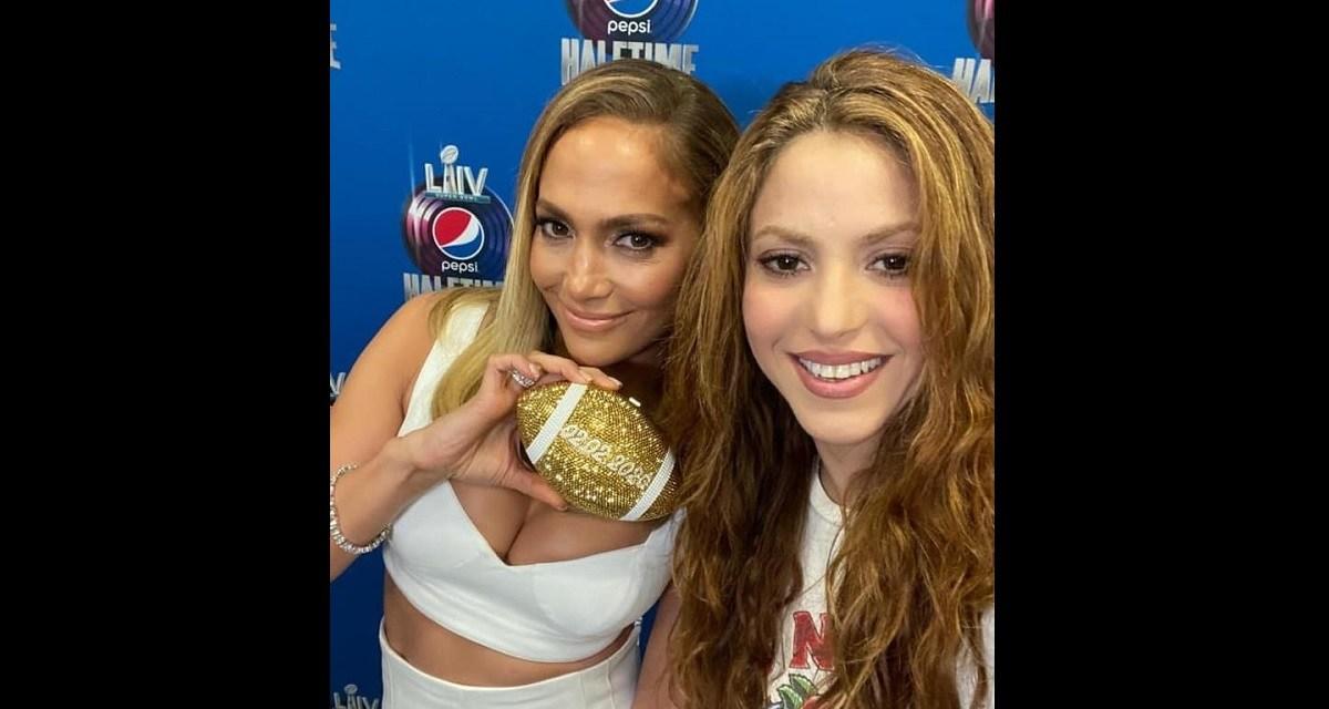 """""""Todos recordaremos a Kobe"""" en el Super Bowl: Shakira y J.Lo."""