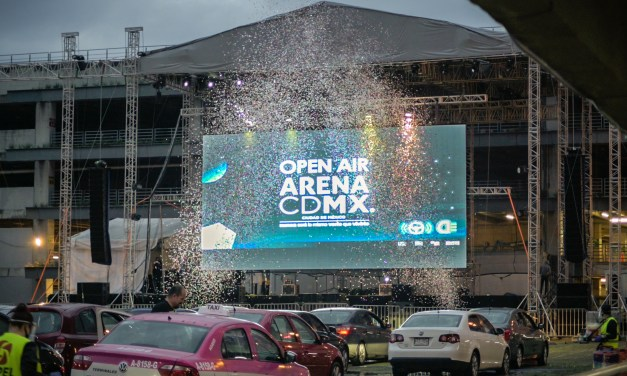 La Arena CDMX experimenta con shows desde autos