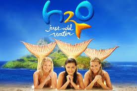 Primer película de Phoebe Tonkin:  H2O: Just Add Water