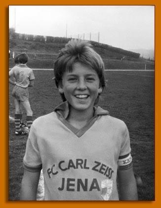 Bernd Schneider Kindheitsoto eins bei footballplayerschildhoodpics
