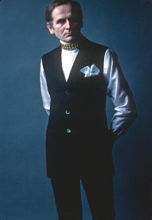 Pierre Cardin photos plus jeunes un à britannica.com