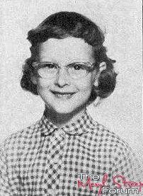 Meryl Streep childhood photo two at pinterest.com