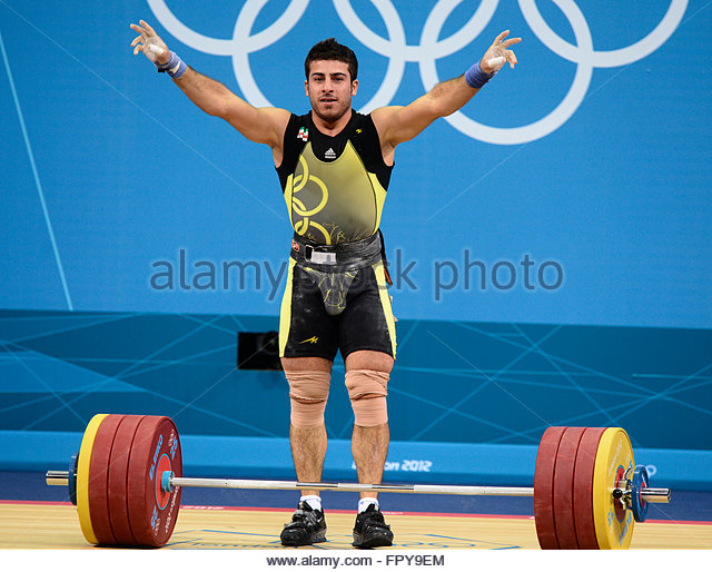 Kianoush Rostami jongere foto twee via pinterest.com