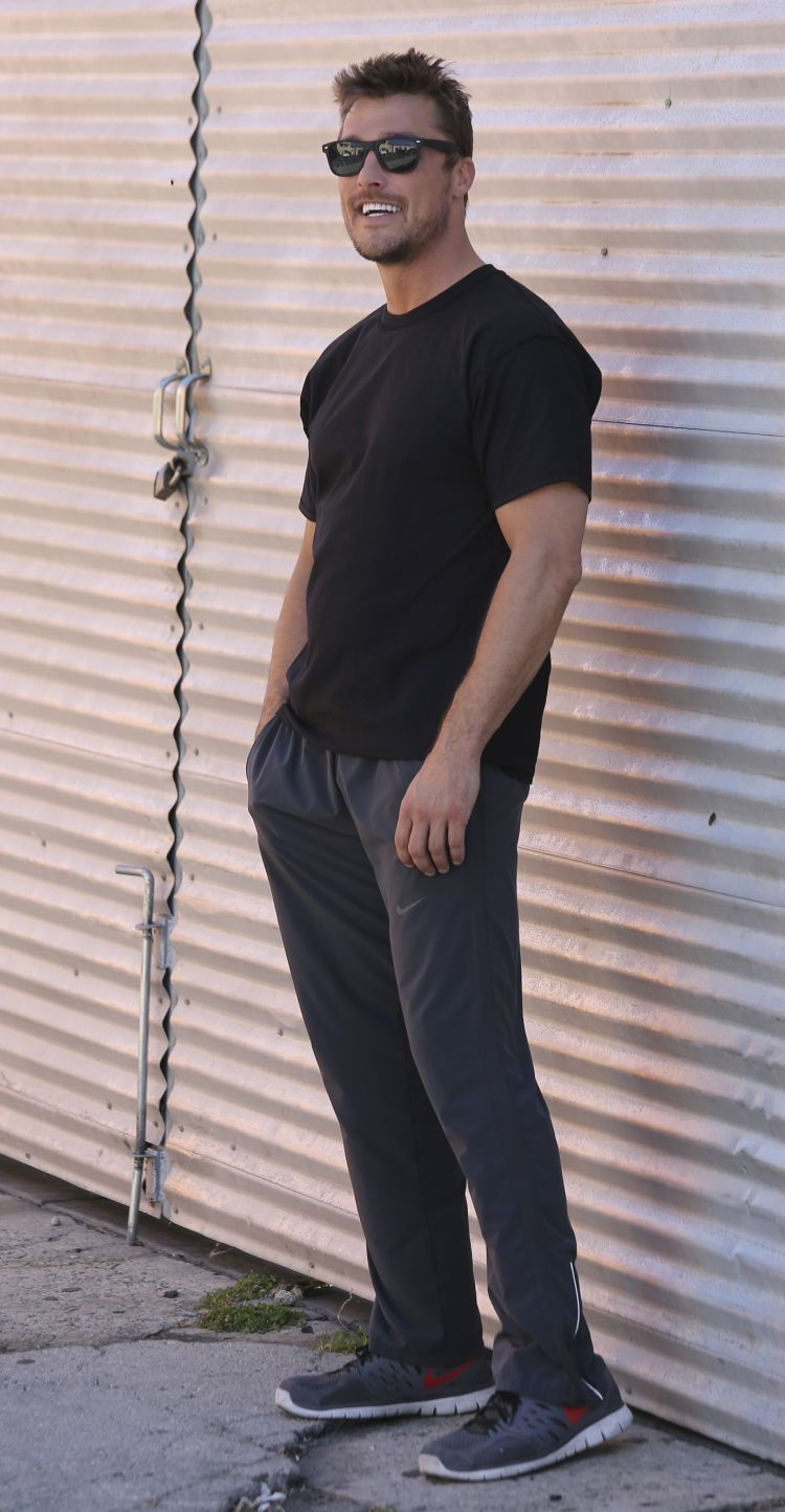 Chris seemed very comfortable in the spotlight at a recent photo shoot. (Splash News)