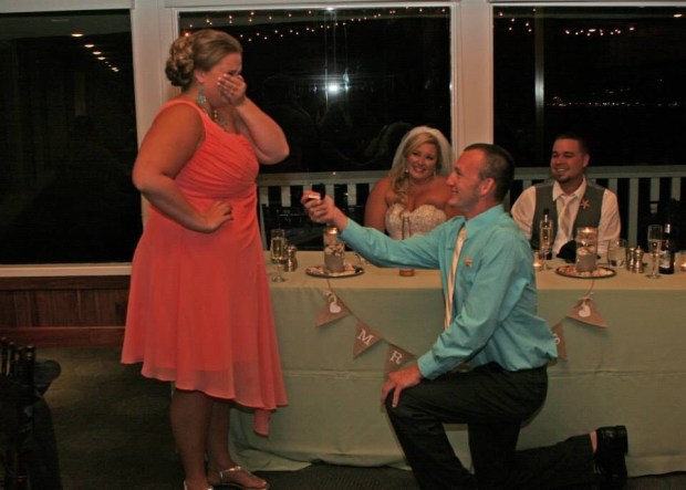 bridesmaid gets engaged at friend's wedding (Imgur)