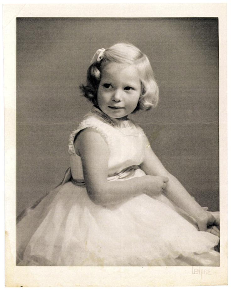 Tilda Swinton kindertijd foto een via