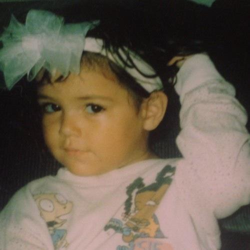 Bethany Mota, foto de infância dois em pinterest.com