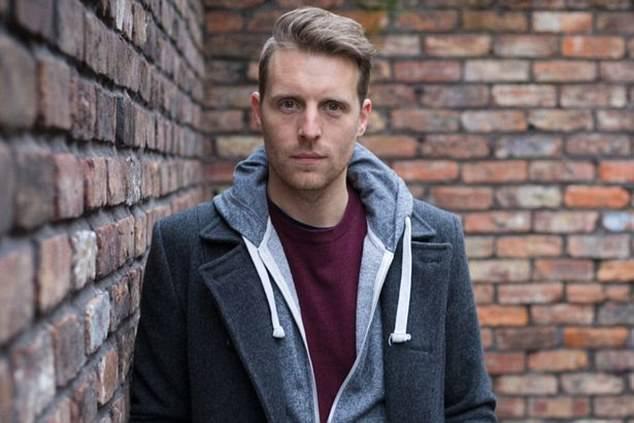 Chris Harper , foto mais antiga dois em dailymail.co.uk
