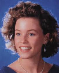 Elizabeth Banks yearbook photo one at Surgeryvip.com at Surgeryvip.com
