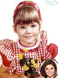 Tiffani Thiessen kindertijd foto twee via Pinterest.com
