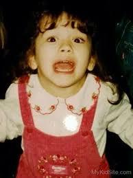 Rita Ora Kindheitsoto eins bei Mykidsite.com