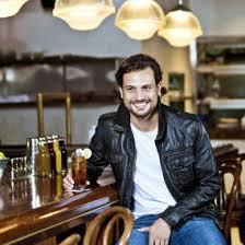 Roberto Urbina - Questo attore, regista, figo, focoso, di origine Colombiana nel 2020