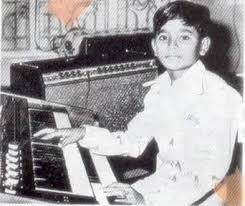 A. R. Rahman, foto de infância dois em Starsunfolded.com