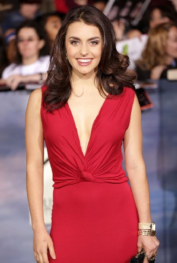 Kathryn McCormick - a atriz, , a celebridade linda, talentosa, apaixonada, de origem irlandesa, inglesa, em 2020