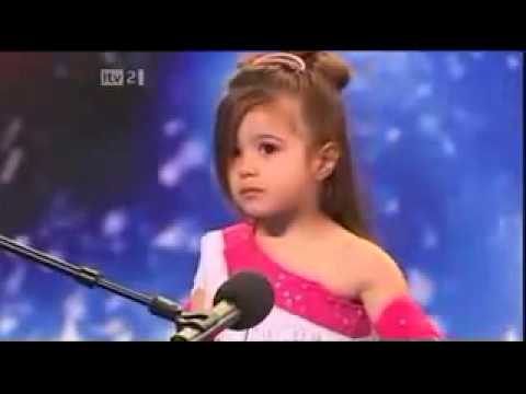 Shakira childhood photo two at youtube.com