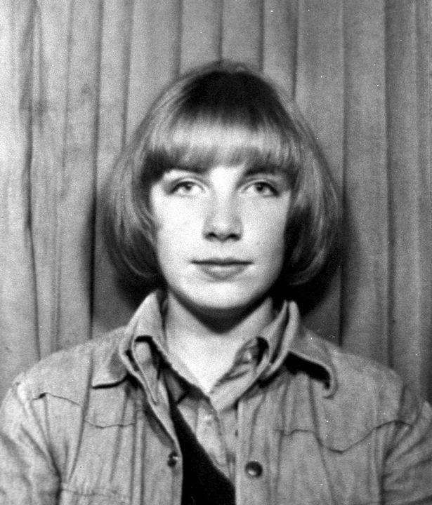Annie Lennox childhood photo one at Dailyrecord.co.uk