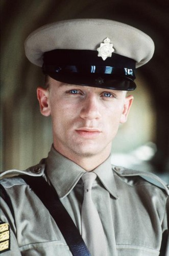 Daniel Craig , foto mais antiga um em fanpop.com