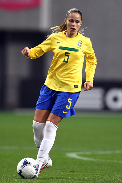 Laisa Andrioli - the hot, sexy, football player with Brazilian roots in 2020