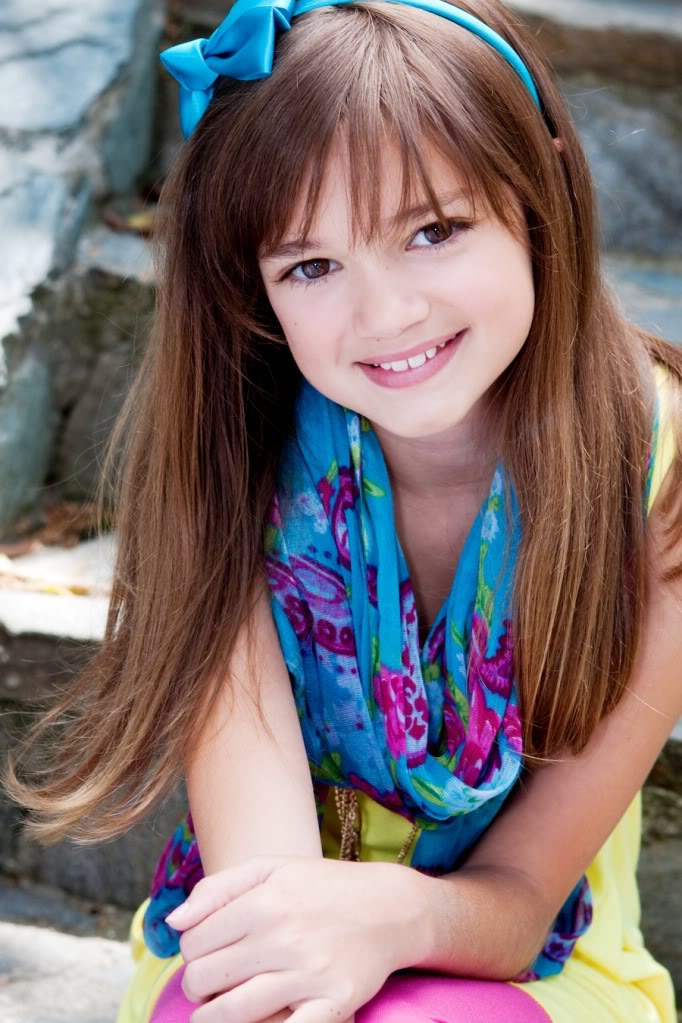 Ciara Bravo childhood photo one at pinterest.com