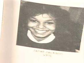 Janet Jackson - foto de anuario uno at posts.google.com en posts.google.com