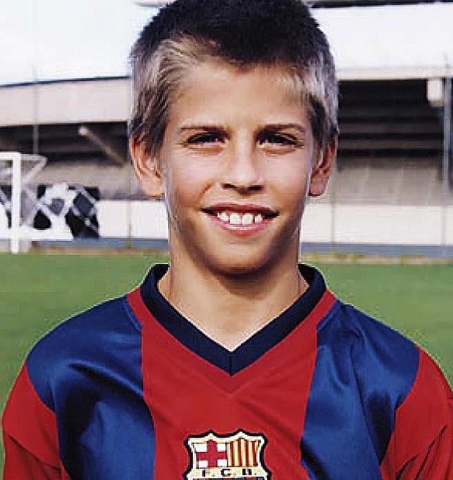 Gerard Piqué Kindheitsoto zwei bei Footballplayerschildhoodpics.blogspot.ro