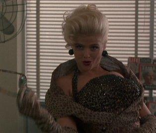 Anna Nicole Smith primo film: The Hudsucker Proxy