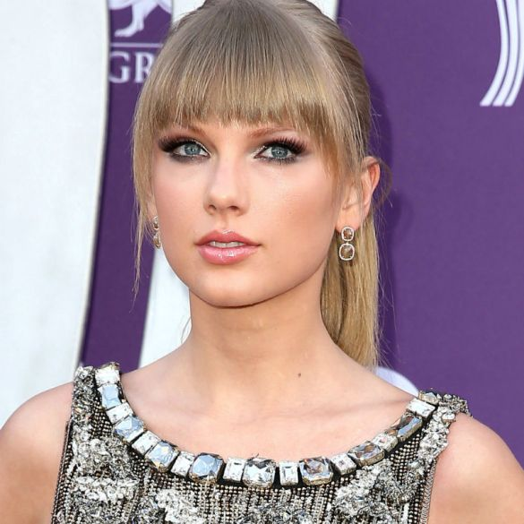 Look Away, Harry Styles! Taylor Swift Says 'I Hope You Cry