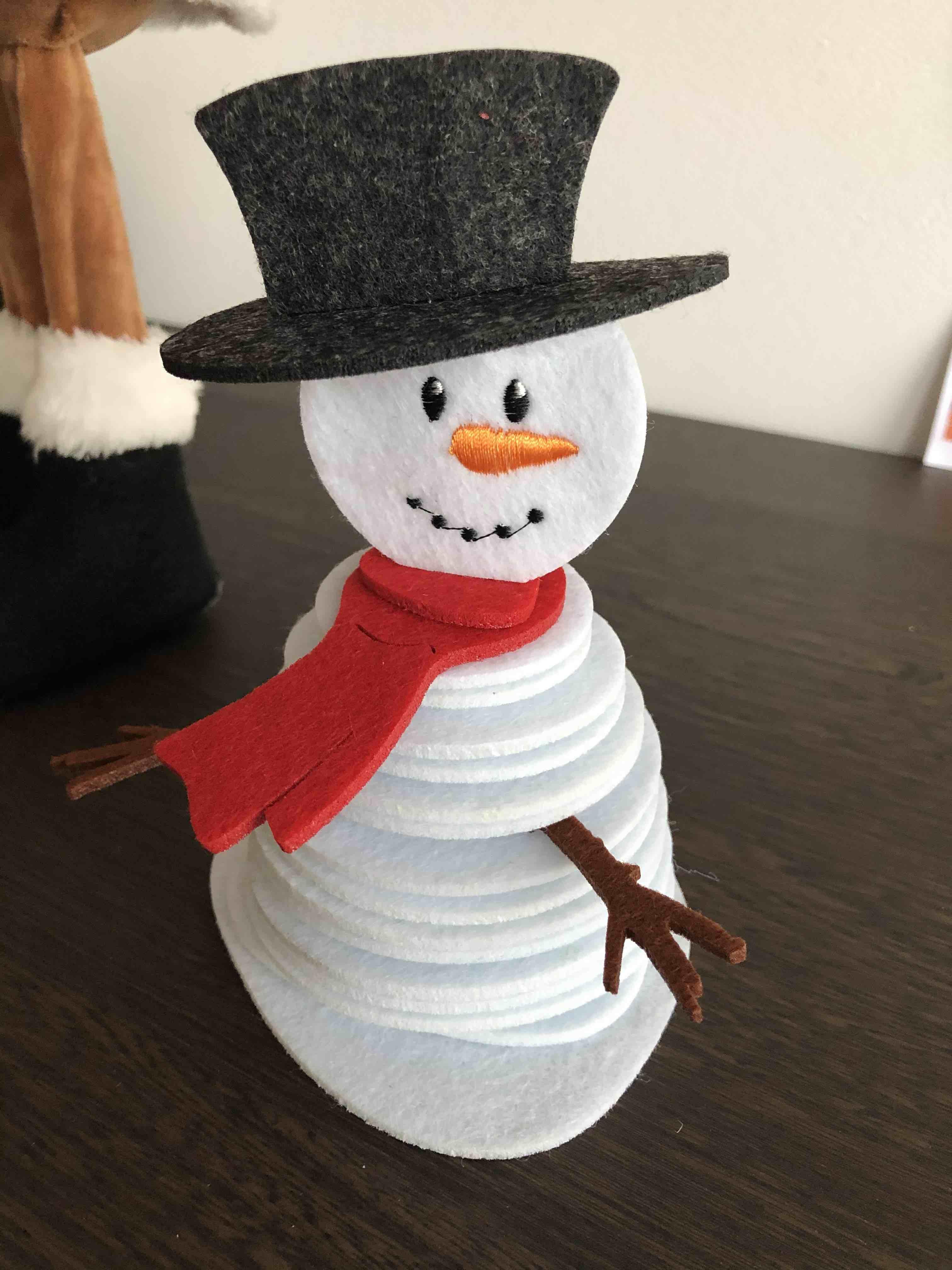 bonhomme de neige en feutrine